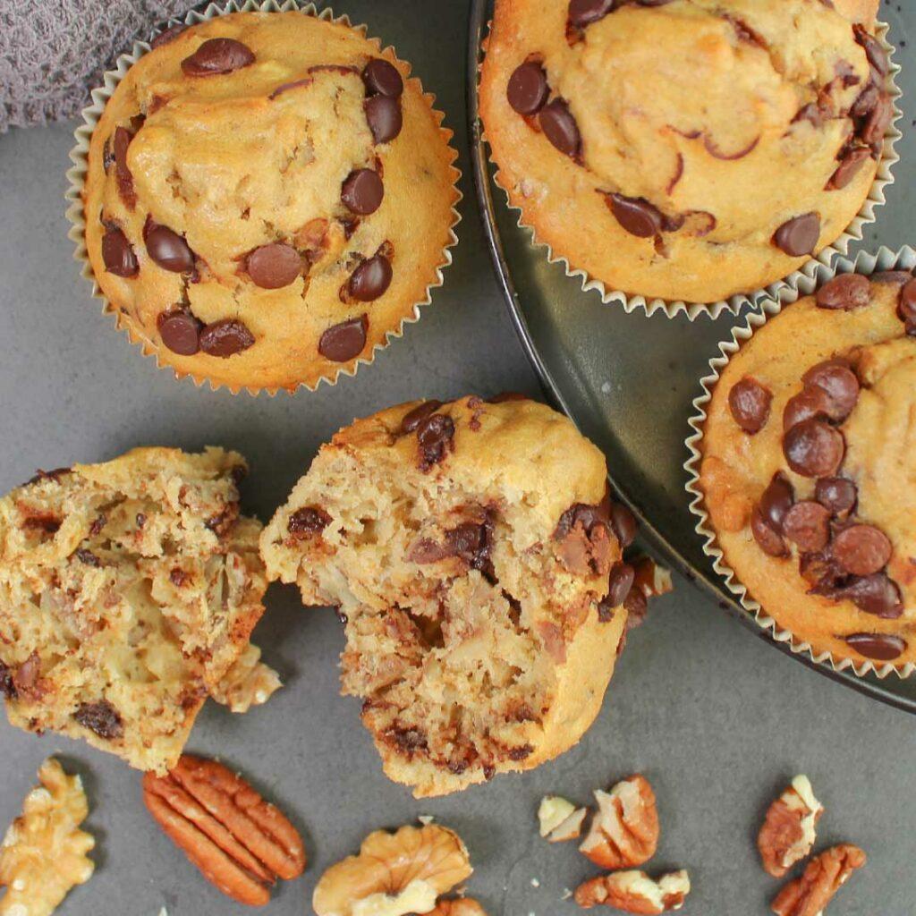 Bananenmuffins mit Schokostückchen & Nüssen